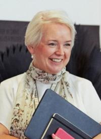 Prof Linda Drew